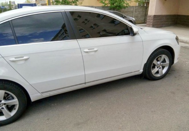 143 Volkswagen Passat B7 белый аренда с водителем - Київ 1