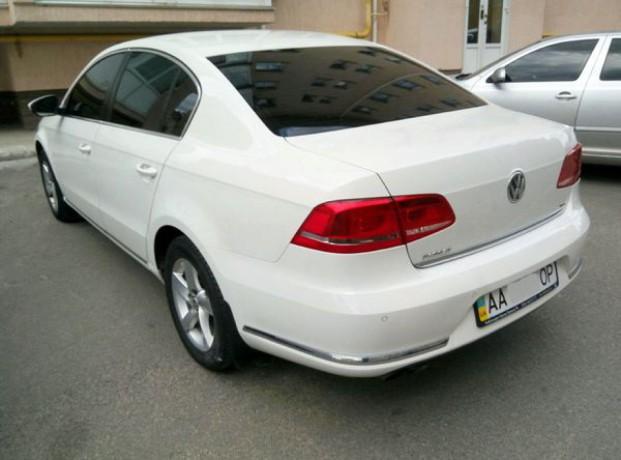 143 Volkswagen Passat B7 белый аренда с водителем - Київ 2