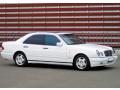 174 Mercedes W210 белый аренда с водителем - Київ 0