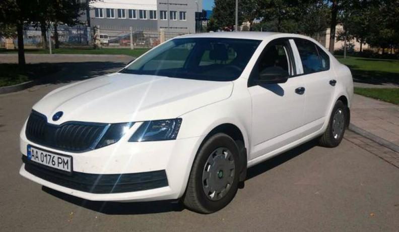 178 Skoda Octavia A7 новая аренда с водителем - Київ 0