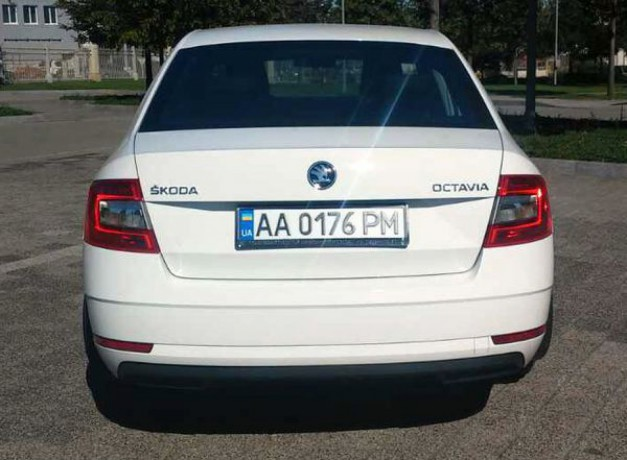 178 Skoda Octavia A7 новая аренда с водителем - Київ 3