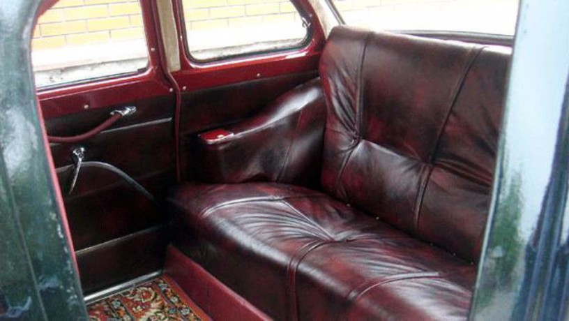 206 ретро автомобиль Chayka Gaz-13 черная аренда с водителем - Київ 3