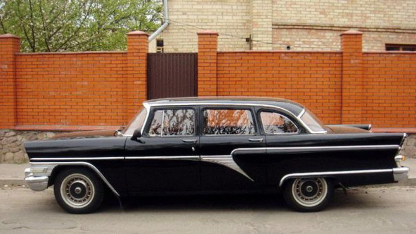 206 ретро автомобиль Chayka Gaz-13 черная аренда с водителем - Київ 2