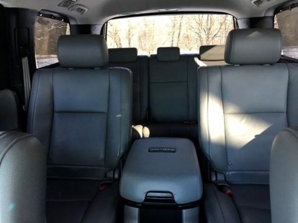 238 внедорожник Toyota Sequoia белая аренда с водителем - Київ 5