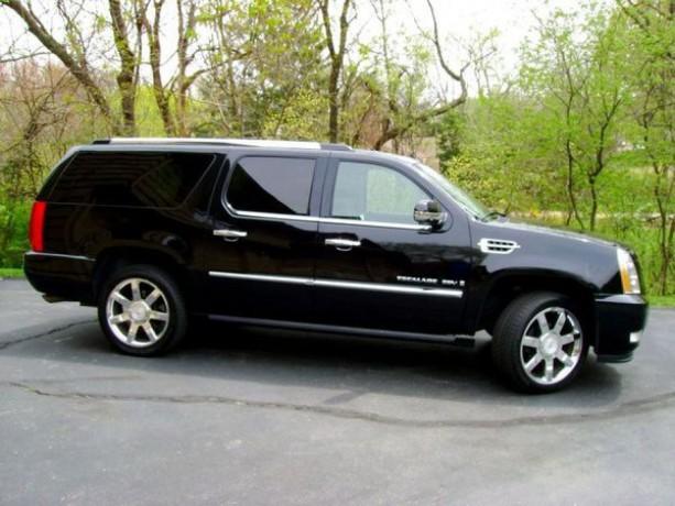 246 внедорожник Cadillac Escalade черный аренда с водителем - Київ 2