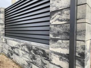 Паркан з блоків в стилі Лофт, з секціями Ранчо - Сокаль