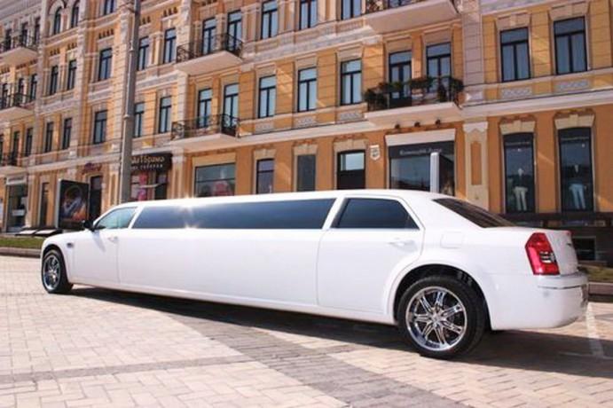 007 Лимузин Chrysler 300C - Київ 1