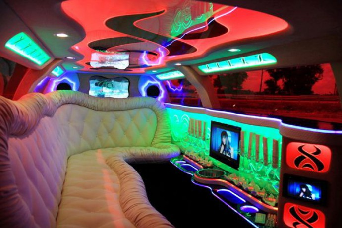 014 Лимузин Chrysler 300C Limo white 2012 - Київ 5